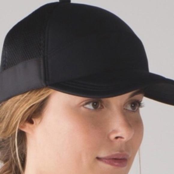 ec91435b lululemon athletica Accessories | Lululemon Dash Splash Cap Ii Black ...
